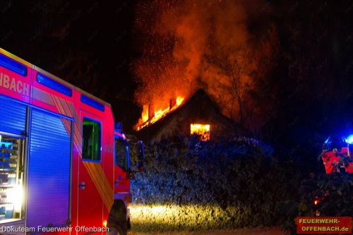 Brand eines leer stehenden zweigeschossigen Gebäudes